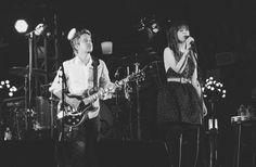 She & Him выпустили кавер «Stay Awhile» и анонсировали альбом http://muzgazeta.com/pop/201441247/she-him-vypustili-kaver-stay-awhile-i-anonsirovali-albom.html