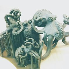 Under the sea! Exciting to see how models are printed here at #gvuk using the latest 3D software and machinery #envisiontec #resign #3dmodel #3Ddesign #3dprinting #jewellery #jewelry #jewellerydesign #jewellerymaking #rapidprototyping #precision #underthesea #octopus #tenticles #sucker #creature #sealife #matrix #rhino #cad by rosiekent