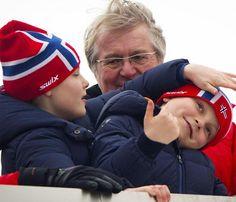 Haakon y Mette-Marit de Noruega llevarán al año que viene a sus hijos a una escuela privada #realeza #royalty
