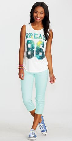 just add mint pants & converse with your muscle tank Hipster Style, Hipster Fashion, Summer Wear, Summer 2014, Outfits For Teens, Cute Outfits, Mint Pants, Muscle Tanks, Crop Shirt