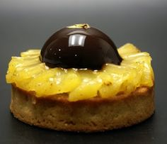 Ars Chocolatum Just Desserts, Delicious Desserts, Dessert Recipes, Chocolate Sweets, Chocolate Recipes, Pineapple Desserts, French Patisserie, Chocolate Decorations, Baking And Pastry