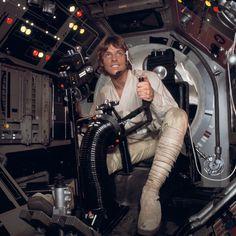 Purchase Luke Skywalker from Star Wars Authentics. Star Wars Luke Skywalker, Mark Hamill Luke Skywalker, Star Wars Brasil, Tableau Star Wars, Cuadros Star Wars, Star Wars Cast, Star Trek, Princesa Leia, Star Wars Pictures
