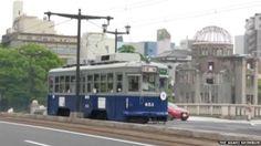 Fue el vagón 653, luego de que el desastre nuclear golpeara a Hiroshima, se convirtió en uno de los 3 tranvías que sobrevivieron.  Ha sido completamente restaurado y es uno de los testimonios vivientes de aquella época.Pintado de azul y gris, colores originales, su interior mostrará videos de testimonios de los sobrevivientes
