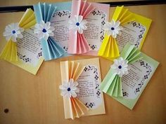 Holiday Crafts For Kids Spring Crafts For Kids Christmas Crafts Art For Kids Butterfly Crafts Flower Crafts Classroom Art Projects Art Folder Newspaper Crafts Kids Crafts, Preschool Crafts, Diy And Crafts, Paper Crafts, Mothers Day Flower Pot, Mothers Day Crafts, Flower Pot Crafts, Art N Craft, Easy Gifts