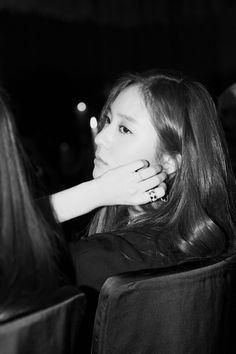 151130 f(Krystal) = W Korea Website Update [3P] | f(♥)