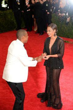 Jay-Z devolve anel que Beyoncé perdeu no tapete vermelho (Foto: Jamie McCarthy/ Getty Images)