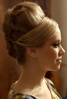 Vintage Hairstyles for Party Season - Sortashion