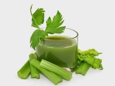 A Glass Of Celery Juice Lowers Hypertension, Sugar Levels, Reduces Arthritis And Gout Pain Almost Instantly Health Benefits of Celery — Juicing For Health Blood Pressure Medicine, Blood Pressure Symptoms, Blood Pressure Diet, Blood Pressure Remedies, Celery Juice Benefits, La Constipation, Juicing For Health, Nutrition, Health Remedies
