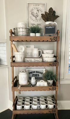 Shabby Chic Bohemian Interiors - Sweet Home And Garden Shabby Chic Dining, Shabby Chic Kitchen, Farmhouse Kitchen Decor, Shabby Chic Homes, Farmhouse Style, Farmhouse Bakers Racks, Kitchen Country, Decoration Table, Tray Decor