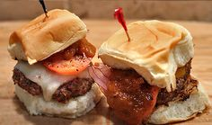 For Wild Game Dinner: Elk sliders with killer barbeque sauce Elk Meat Recipes, Wild Game Recipes, Venison Recipes, Fish Recipes, Great Recipes, Cooking Recipes, Favorite Recipes, Venison Meals, Oh Deer