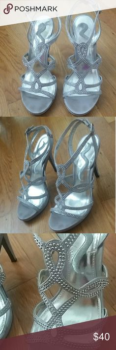 Silver Dress Sandals - brand Nina - size 6M Sparkly Silver Dress Sandal heals, open toe, decorative rhinestone embellisments, 4inch heal, worn once Nina Shoes
