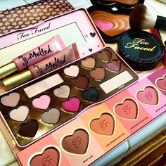 In love with @toofaced @missdolld! #toofaced #makeup #mkp #makeuprevue #makeuphaul #makeuplovers #universodamaquiagem_oficial #motd #universalhairandmakeup