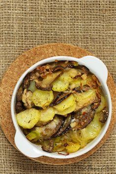 Un dejeuner de soleil: Gratin de pommes de terre, cèpes et aubergines - G...