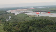 The borderline between North Korea and Russia goes between each country's bridge elements. The two countries have not agreed on the exact river border between the bridge and the Reference line. Jan S. Krogh's Geosite: CNKPRU Friendship Bridge