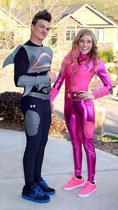 Costumes & Matching Costumes For Halloween 2018 100 Best Couples Costumes, Matching Halloween Costumes & Funny His And Hers Costumes For 2018 Halloween 2018, Cute Couple Halloween Costumes, Best Couples Costumes, Hallowen Costume, Cutest Couples, Halloween Ideas, Disney Couple Costumes, Halloween Party, Couples Cosplay