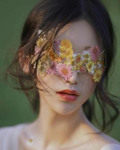 Flower Aesthetic, Aesthetic Art, Aesthetic Pictures, Creative Photography, Portrait Photography, Jolie Photo, Art Reference Poses, Ulzzang Girl, Pretty