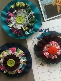 DIY Fabric Flower Magnets