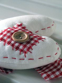 Patched heart by apple cottage company, via Flickr(Cute Tree Topper Or Make Larger For Wall Decor)