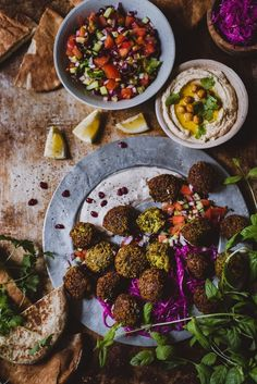 Falafelit kaikilla lisukkeilla (V, GF) – Viimeistä murua myöten Always Hungry, Buddha Bowl, Falafel, Lidl, Plant Based Diet, Tahini, Yummy Drinks, Chana Masala, Meat Recipes