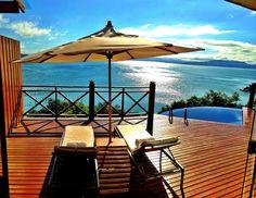 Resort fica localizado em uma península particular em Governador Celso Ramos