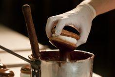 kok κωκ Afoi Asimakopouloi patisserie / bakery Athens , Exarcheia http://asimakopouloi.com/