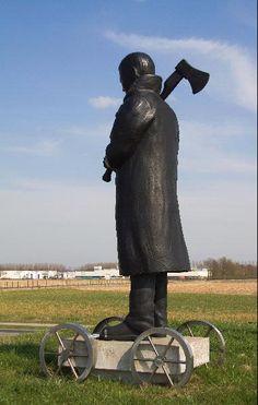 De bieleman, de ree en de koffer (hier: de bieleman). Kunstenaar: Nicolaas Dings.  Locatie: Babberichseweg/Ringbaan Oost in Oud Zevenaar (gemeente Zevenaar).  Jaar: 2009.  Materiaal: brons.