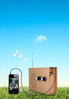 Cardboard Radio : Card iPod speaker with great sound.