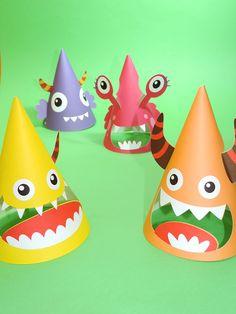 Chapéus de cone com recorte criativo para festas do tema Monstrinhos.