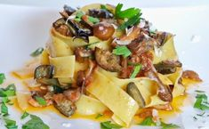 A super easy pasta dish to prepare on a busy day, Quick Eggplant and Mushroom Pappardelle from my husband Robert is a crowd-pleaser! A bit sweet, a bit spicy, a bit earthy -it has a mouth-watering combination of flavors. Eggplant Mushroom Recipe, Mushroom Pasta, Eggplant Recipes, Mushroom Sauce, Cheap Clean Eating, Clean Eating Snacks, Pappardelle Pasta Recipe, Quick Pasta Sauce, Gastronomia