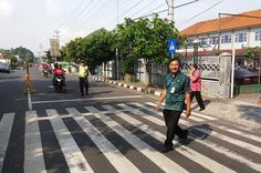 Bhabinkamtibmas Jurangombo laksankanpengamanan Piloting GPS Pilot, Street View, Pilots, Remote