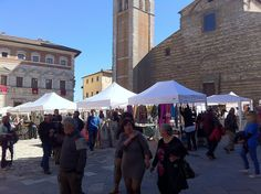 #Montepulciano, market day in town: Piazza Grande, on Saturday and Sunday