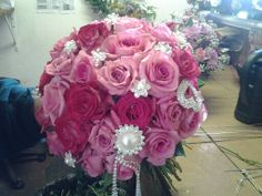 Mixed pink roses with pins bridal bouquet #Kleine Marie
