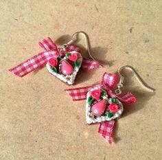 Ohrringe Herz, Lebkuchenherz pink mit Schleife von PfullingerEngele auf Etsy