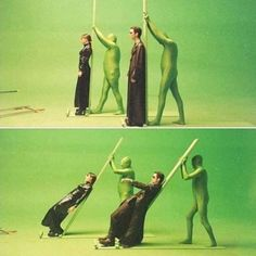 The Matrix: How they managed to do the scene where Trinity and Neo lean back in slow motion to dodge the bullets coming at them. - photo from via 'It's Not All Smoke and Mirrors Anymore: It's Green Screens and CGI,' page 13 of 39 at Living Magazine Chroma Key, Flash Info, The Matrix Movie, Films Cinema, Smoke And Mirrors, Hollywood, Famous Movies, Scene Photo, Special Effects