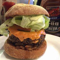 Hambúrguer nosso de cada dia dai-nos hoje!  Tks Lord! | com @_orlandojr #ixirango