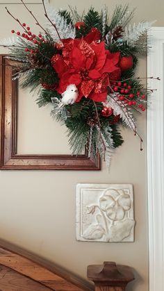 Holiday picture frame wreath by marlas Christmas Wreaths, Christmas Yard Decorations, Christmas Craft Projects, Christmas Arrangements, Christmas Flowers, Diy Christmas Ornaments, Homemade Christmas, Simple Christmas, Holiday Decor