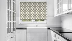 Crabs I #rollerblinds #windowtreatments #window #decor #home #kitchen #blinds #printedblinds #pattern #prints #interior #design #DIY @decoshaker