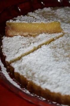 lemon bars apo to martha s kitchenette Greek Sweets, Greek Desserts, Fun Desserts, Delicious Desserts, Lemon Recipes, Sweets Recipes, Cake Recipes, Greek Recipes, Sweet Pie