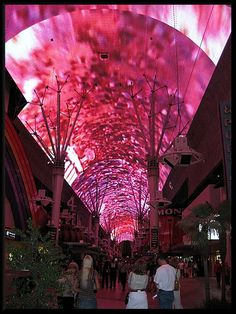 ~Fremont Street- Vegas~I have gone to Vegas twice and have yet to see this!! :( lol