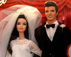 Elvis and Priscilla Barbies!! How cool is that?!?!