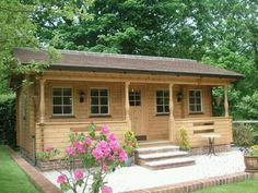 Log Cabins Build Or Buy It's an Affordable Housing Deal How To Build A Log Cabin, Small Log Cabin, Log Cabin Kits, Tiny Cabins, Log Cabin Homes, Cabins And Cottages, Log Cabins, Cabin Ideas, Rustic Cabins