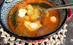 Magyaros burgonyaleves füstölt kolbásszal recept fotóval Thai Red Curry, Ethnic Recipes, Food, Essen, Yemek, Meals