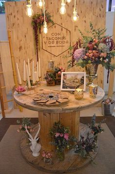 2019 Top 14 Must See Rustic Wedding Ideas for a Memorable Big Day---Here are some ideas you can try for your engagement party, rustic country wedding ideas , wedding decorations Used Wedding Decor, Diy Wedding, Rustic Wedding, Dream Wedding, Wedding Decorations, Table Decorations, Wedding Ideas, Trendy Wedding, Wedding Table