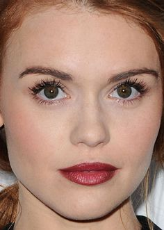 Close-up of Holland Roden at the 2015 premiere of 'She's Funny That Way'. http://beautyeditor.ca/2015/08/24/best-beauty-looks-kristen-stewart