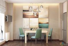 Необычная люстра, композиция из картин и яркие стулья разбавляют интерьер пастельных тонов.   Узнать информацию о стиле «контемпорари», как он выглядит и кому подойдет можно на нашем сайте.