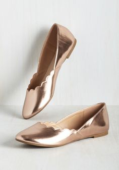 If you can dream it, you can rock it, so slip into these rose gold flats to bring your party perfect outfit to reality! These fantastic faux-leather skimmers boast scalloped edging at the toes, giving them the delicate touch that you've always envisioned. By the way, this lovely item will be available for purchase in Feburary!
