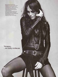 Vanessa Paradis, by Jean-Baptiste Mondino forr Elle France - 20 novembre 2009