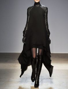 Gareth Pugh Fall 2010 Ready-to-Wear Fashion Show                              …