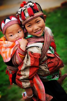 Brother Love ♥ Black Hmong ~ Hilltribe, Sa Pa, Vietnam