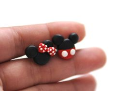Disney Mickey Minnie Polymer Clay–Earring Studs – Jewelry And Accessories Fimo Disney, Polymer Clay Disney, Cute Polymer Clay, Cute Clay, Fimo Clay, Polymer Clay Projects, Polymer Clay Charms, Polymer Clay Creations, Clay Beads